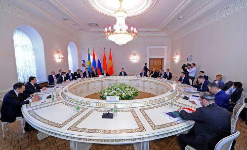 Цифровая трансформация экономики, внедрение инноваций и устранение барьеров стали ключевыми темами заседания Евразийского межправитель