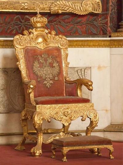 Трон Петра I (Георгиевский зал в Зимнем дворце)