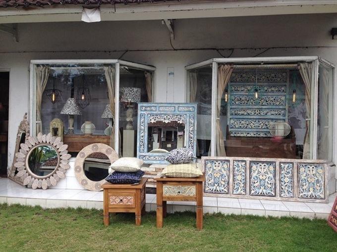 Магазин мебели на Бали. Фото Дмитрия Черненко