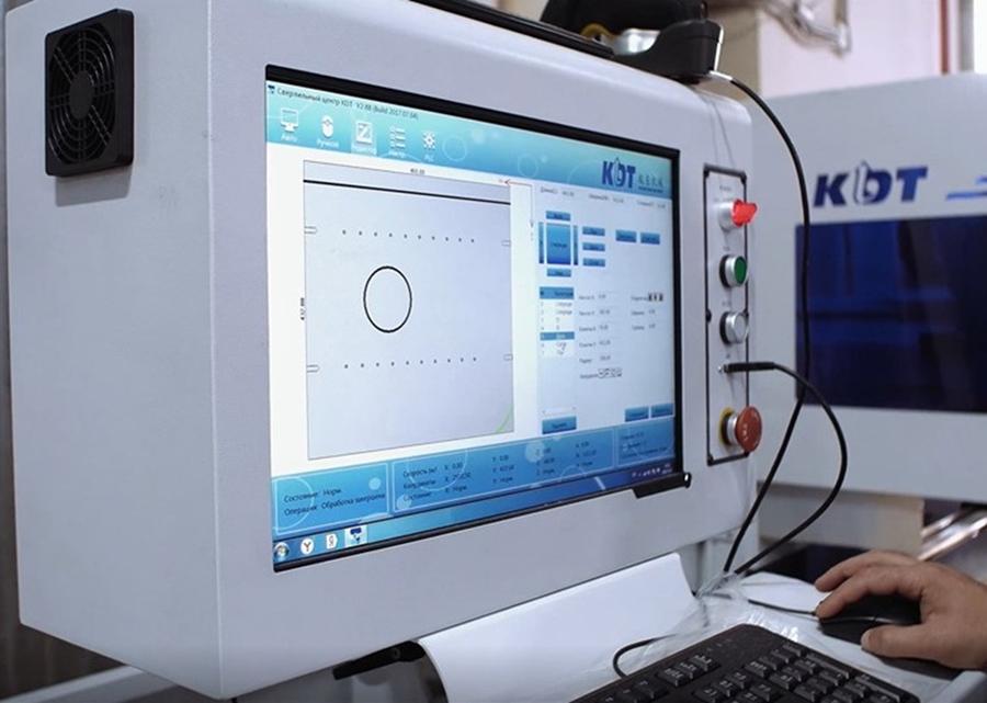 Сверлильно-присадочный центр с ЧПУ KDT KN-2309D, производства завода KDT Woodworking Machinery.